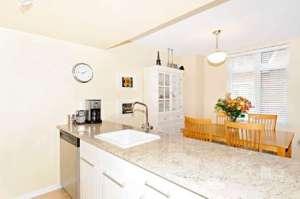98 Redpath kitchen